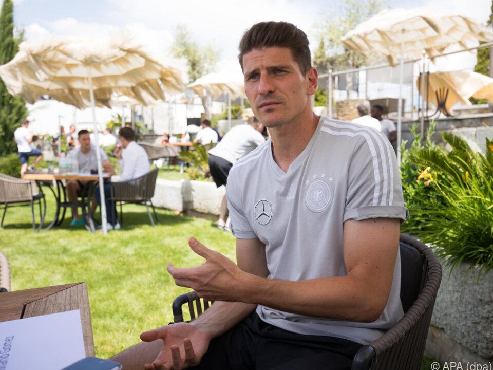 Im Mittelpunkt steht Gomez lieber nur am Fußballplatz