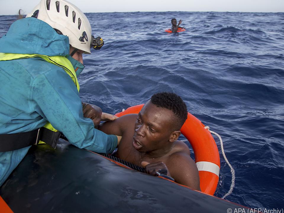 Italiens Küstenwache sieht sich in der Pflicht