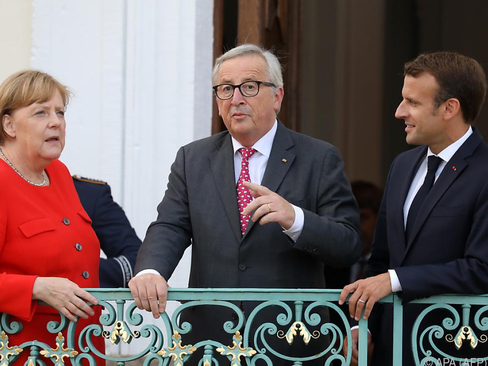 Juncker will den Weiterzug von Flüchtlingen stoppen