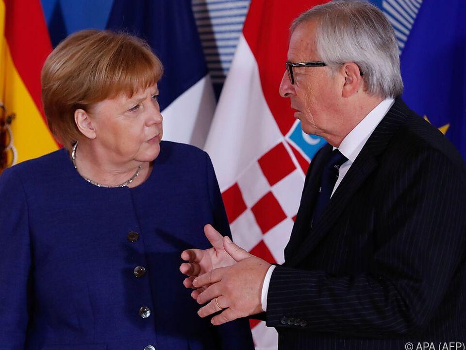 Kanzlerin Merkel und Kommissionspräsident Juncker am Asylgipfel