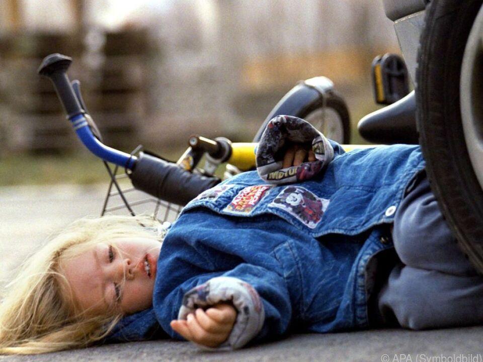 Kinder haben ein hohes Unfallrisiko (gestellte Szene)