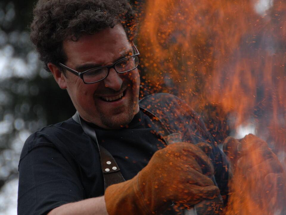 Laurenz Stockner alla fornace  Foto Karl Volgger(2)