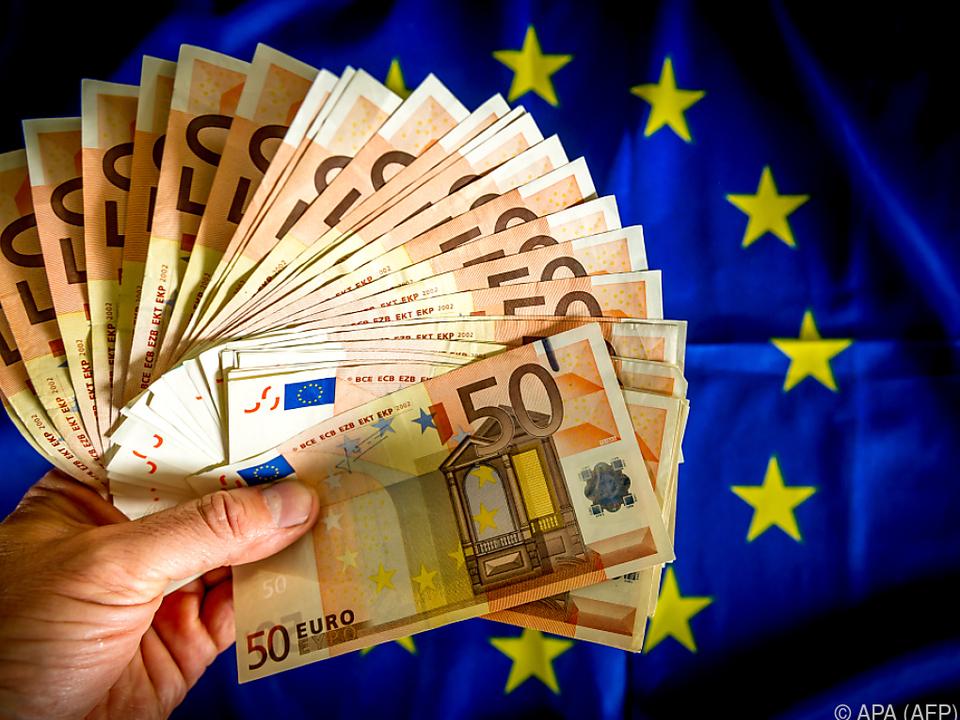Mehr als drei Milliarden Euro \