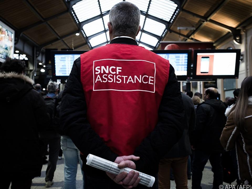 Monatelange Proteste der Bahn-Belegschaft verhinderten Reform nicht