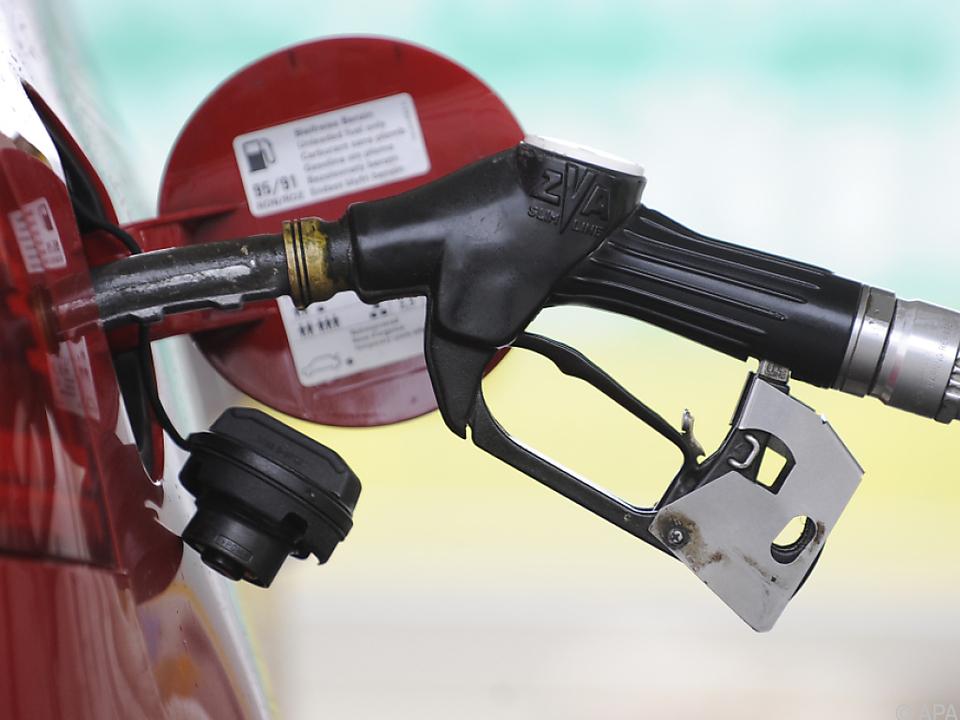 Motorenbenzin inkl. Diesel haben sich verteuert