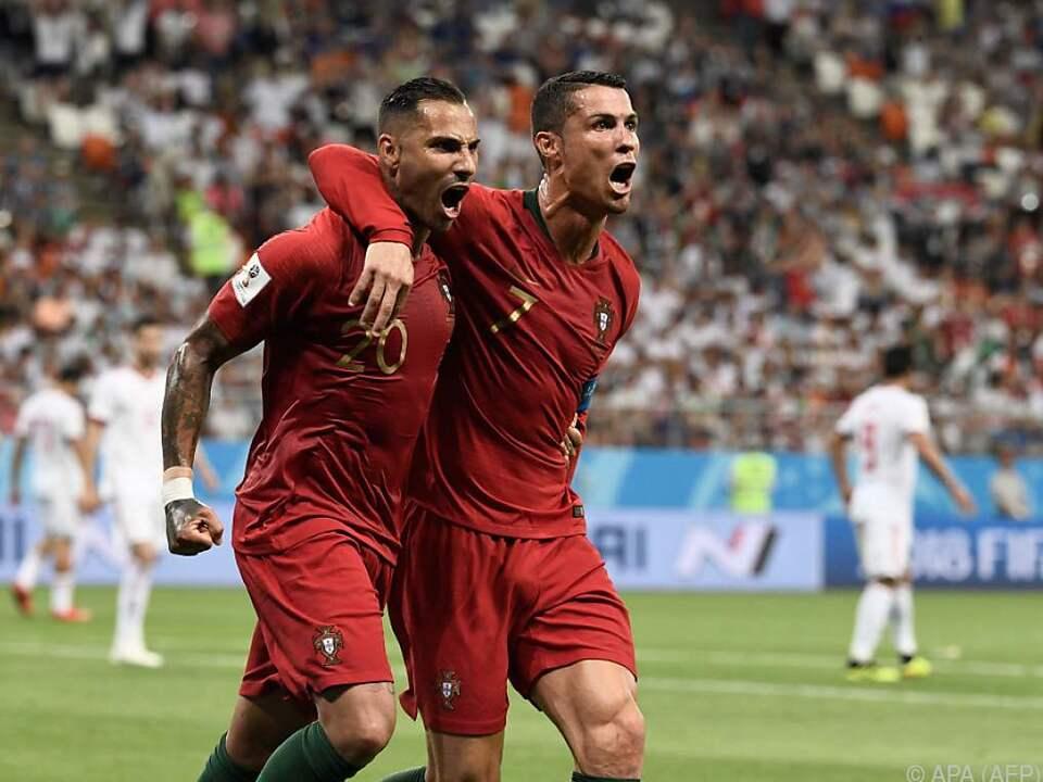 Nach dem 1:0 durch Quaresma (l.) sah es noch gut aus für Portugal