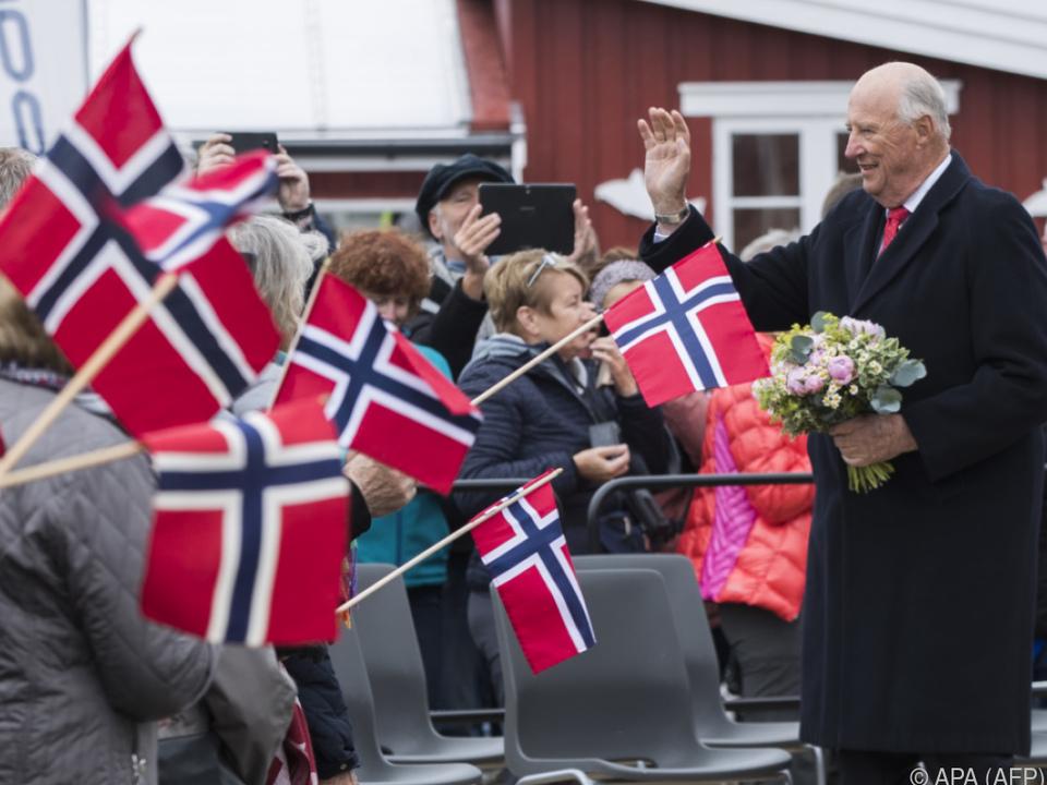 Norwegens König Harald V. ist begeisterter Segler