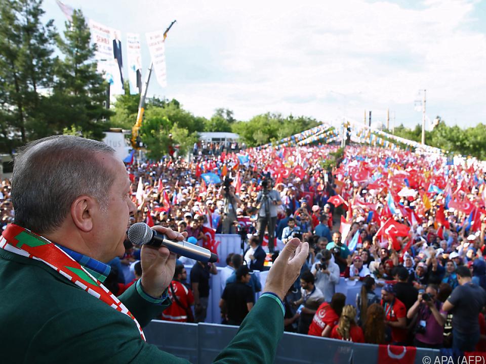 Präsident Erdogan selbst belastete den Kurs der Lira stark