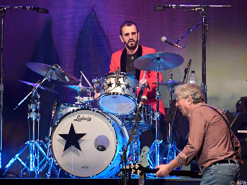 Ringo Starr thronte auf der Bühne