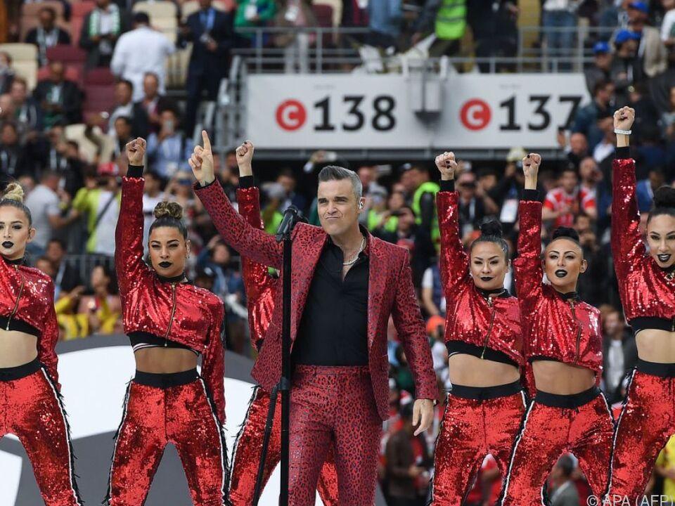 Robbie Williams singt im Luschniki-Stadion zu Moskau