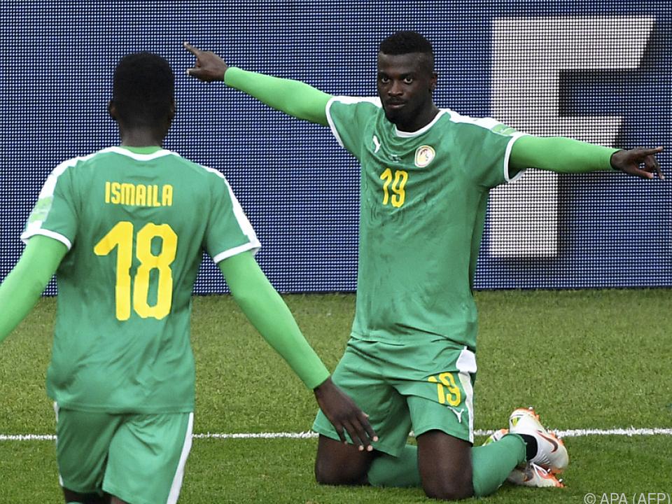 Senegals Niang gelang ein kurioser Treffer