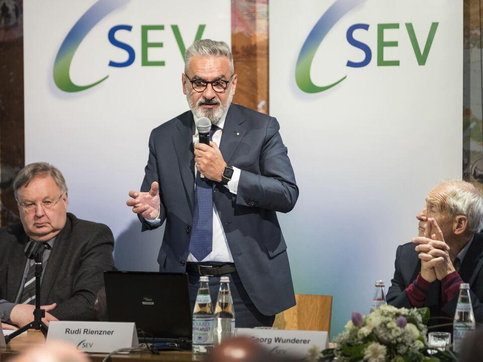 SEV Direktor Rudi Rienzner