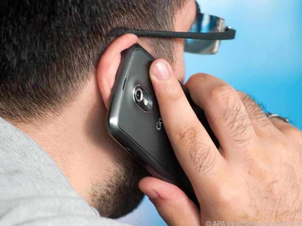 Smartphone-Nutzer verwenden am besten die vorinstallierte Dialer-App
