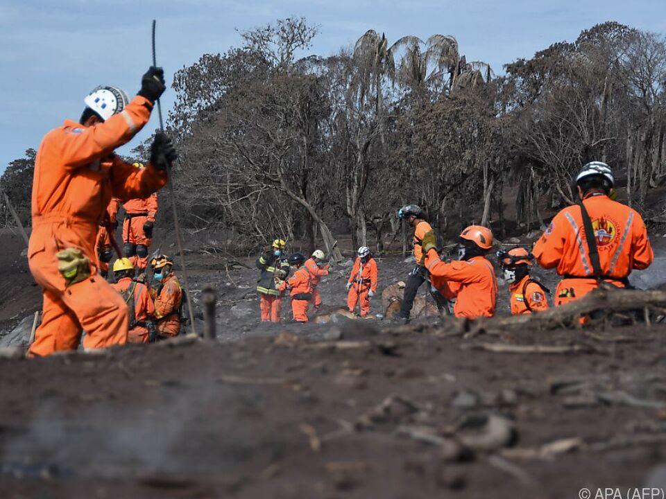 Suche nach Opfern nach Vulkanausbruch in Guatemala