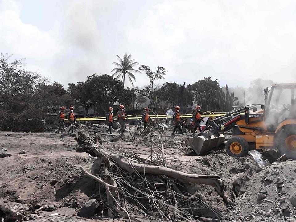 Szenen der Verwüstung nach dem Vulkanausbruch