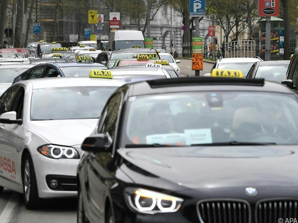 Taxler machen wieder gegen Uber mobil
