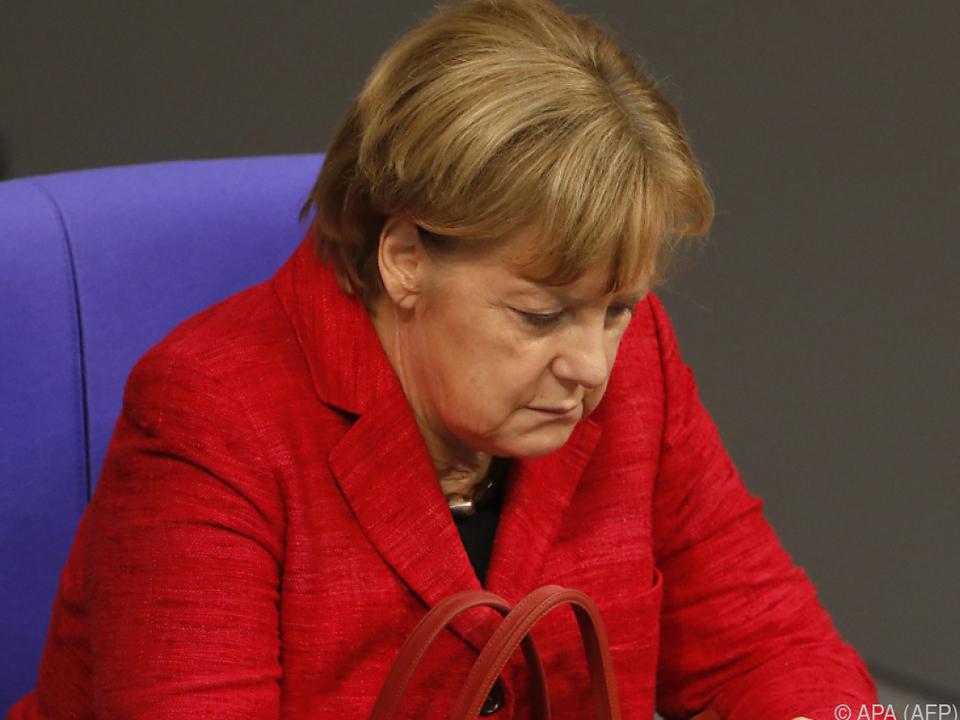 Telefonieren ins EU-Ausland ist noch zu teuer, findet das EU-Parlament