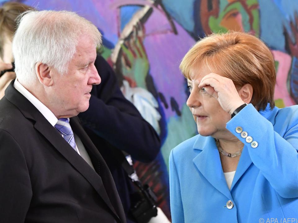 Uneinigkeit zwischen Merkel und Seehofer