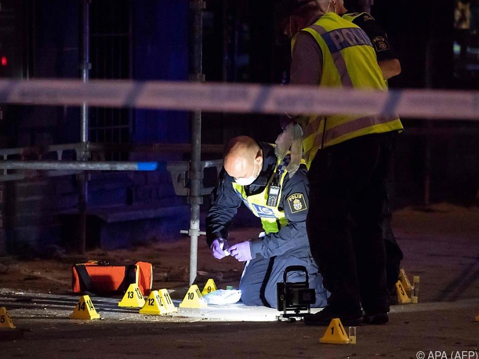 Untersuchungen am Tatort bis in die frühen Morgenstunden