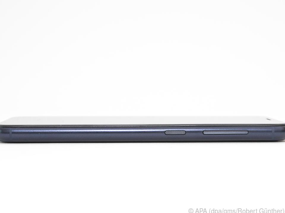 Äußerlich erinnert das GS185 an das iPhone 6