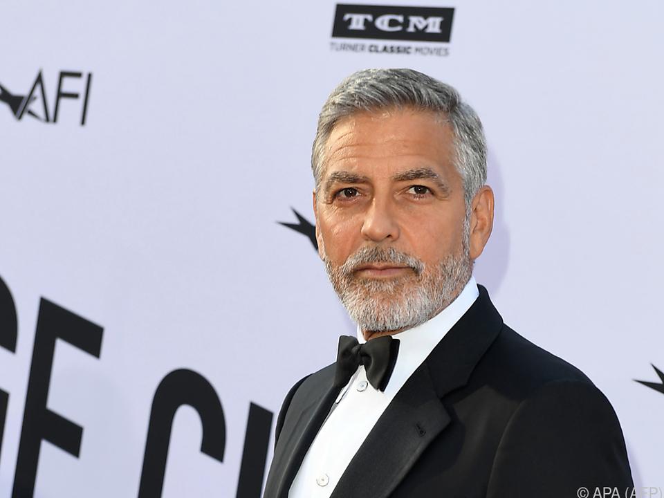Bei Clooney wird eine Beckenfraktur vermutet