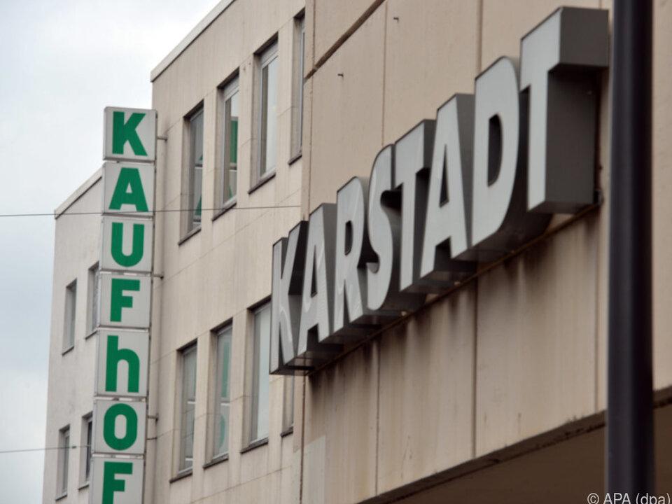 Benkos Karstadt will Konkurrent Kaufhof schlucken