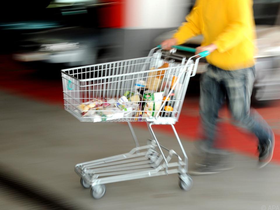 Der günstige Einkaufskorb verteuerte sich um knapp 7 Prozent