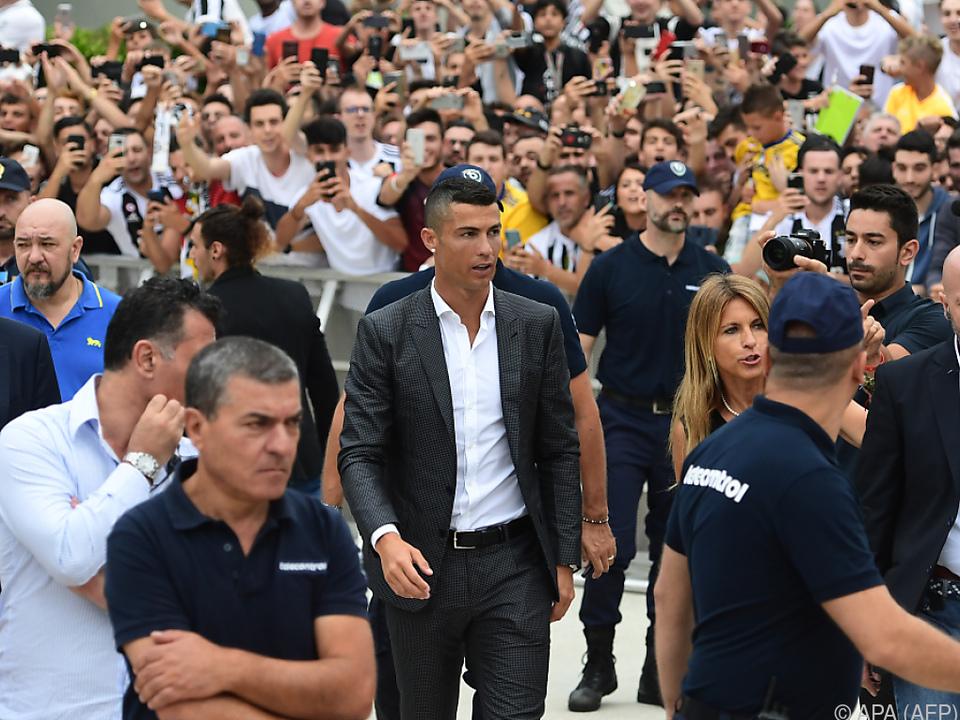 Der Portugiese wurde bei seiner Ankunft in Turin groß gefeiert
