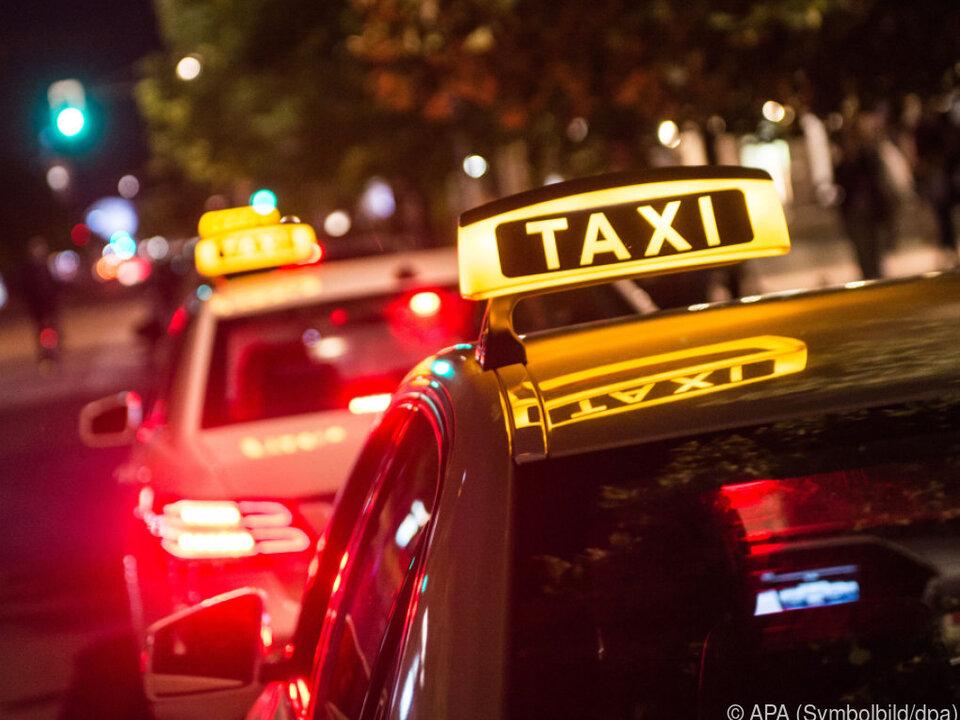 Die Frau konnte weder Geld noch Ausweis vorweisen taxi sym