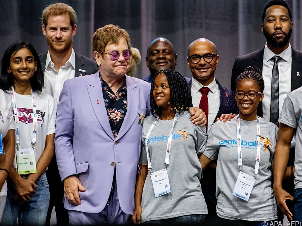 Elton John engagiert sich seit 25 Jahren im Kampf gegen Aids