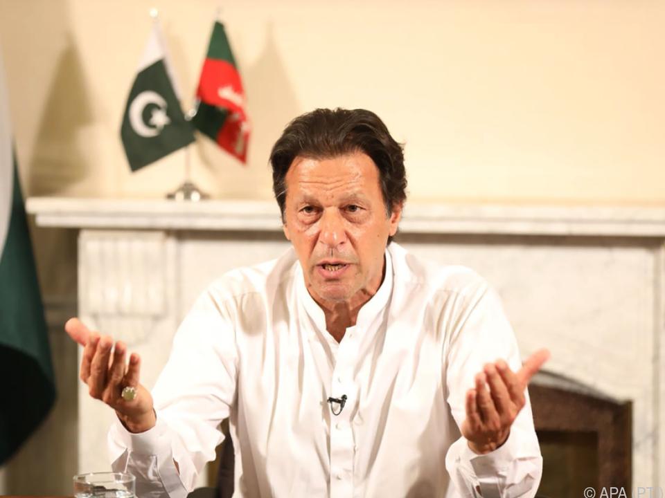 Ex-Sportler Imran Khan erklärte sich zum Sieger