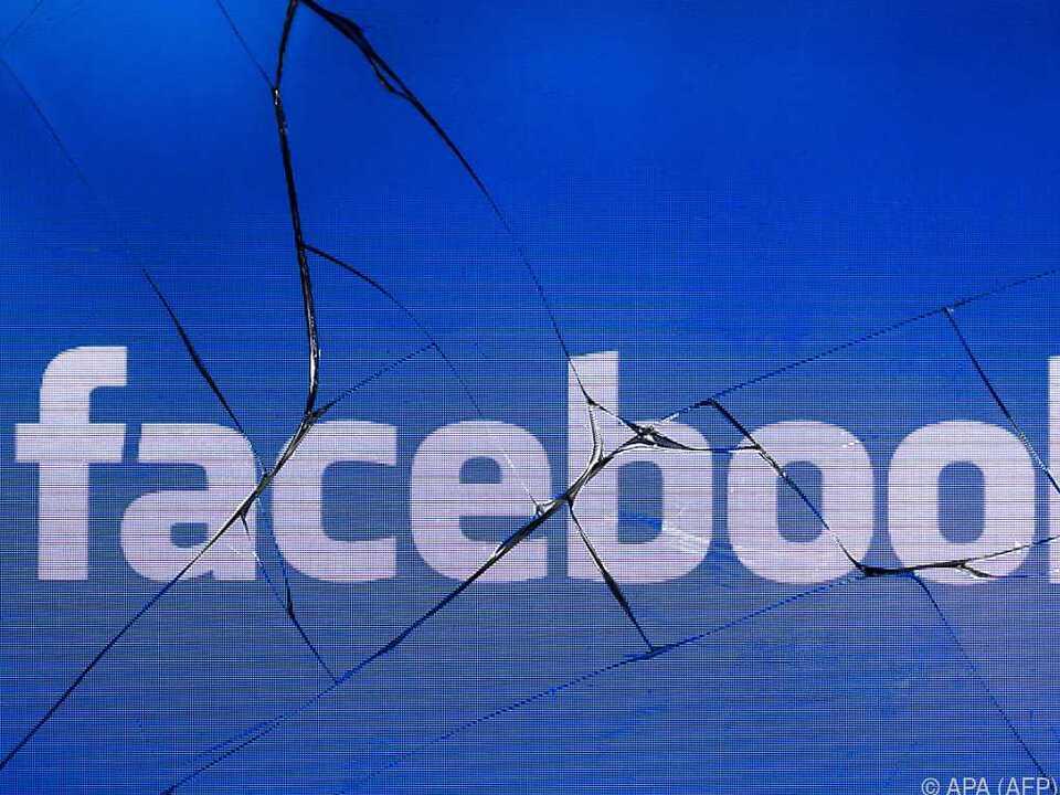 Facebook schloss mehr als 30 Nutzerkonten