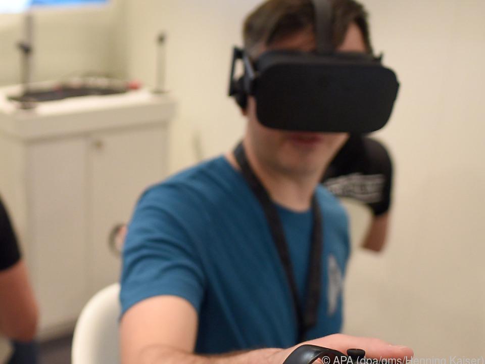 Die Oculus Rift hat eigene Controller, die speziell für VR entwickelt wurden