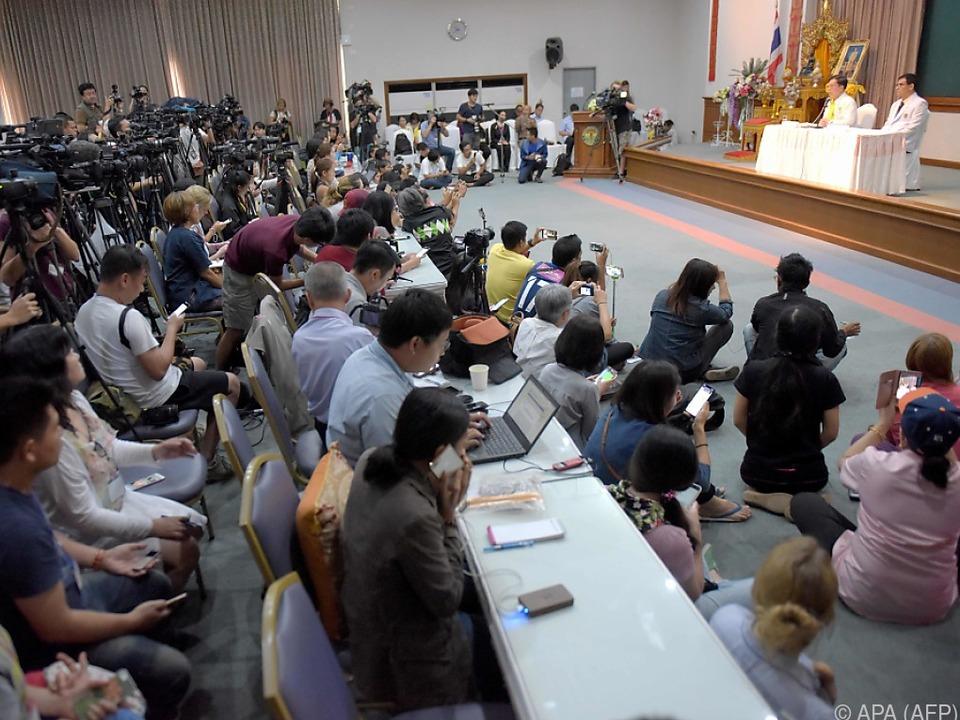 Großer Andrang bei einer Pressekonferenz am Mittwoch