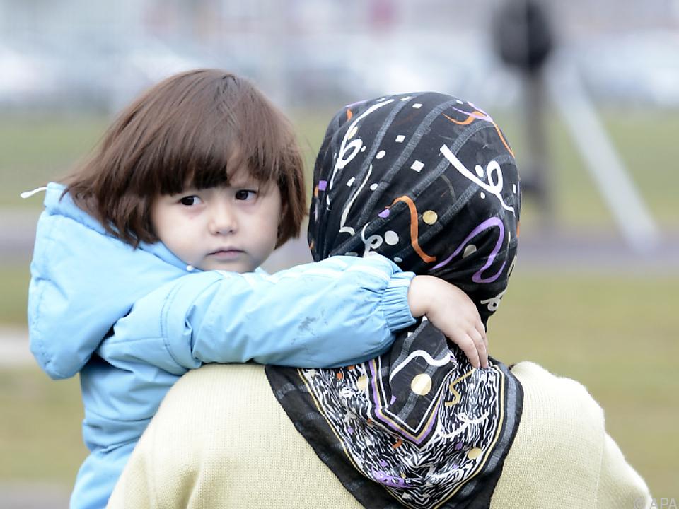Künftig können Flüchtlingen bis zu 840 Euro Bargeld abgenommen werden
