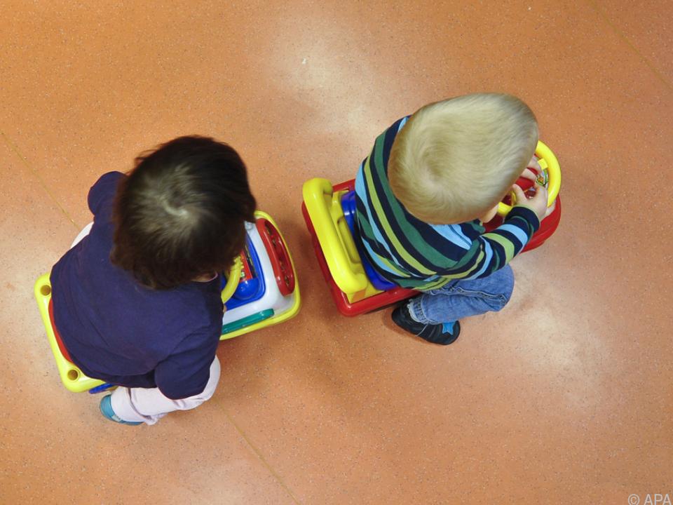 Kürzungen der Gelder für Kinderbetreuung sorgen für Unmut