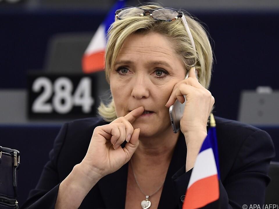 Le Pens Partei könnte Zahlungsunfähigkeit drohen