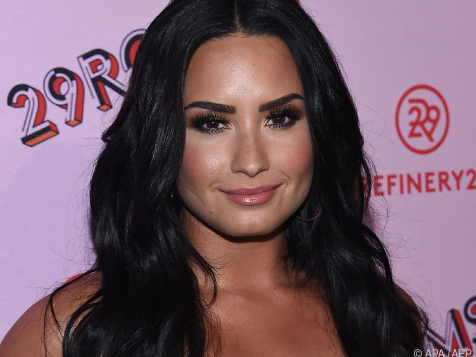 Lovato erholt sich im Kreis ihrer Familie