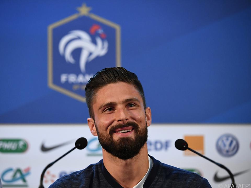 Olivier Giroud bei der Pressekonferenz