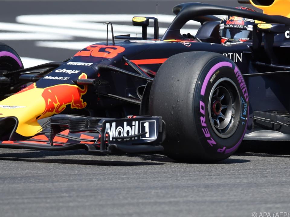 Red Bull am ersten Tag stark