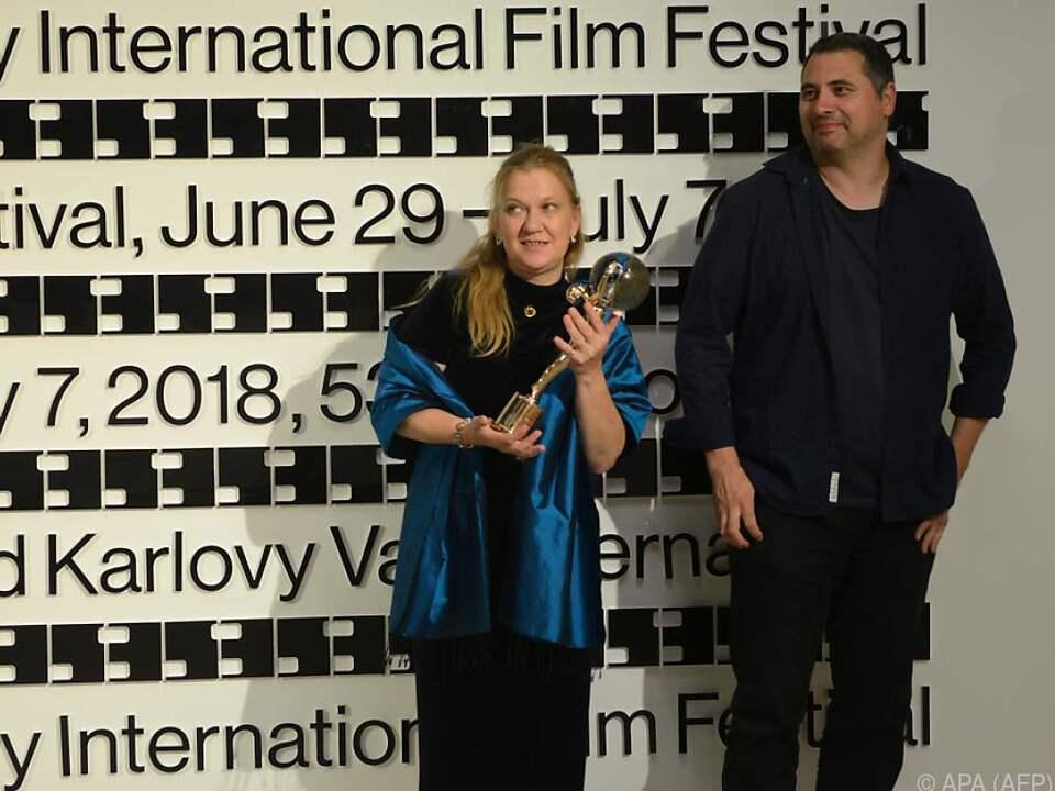 Regisseur Radu Jude (r.) und Produzentin Ada Solomon in Karlsbad