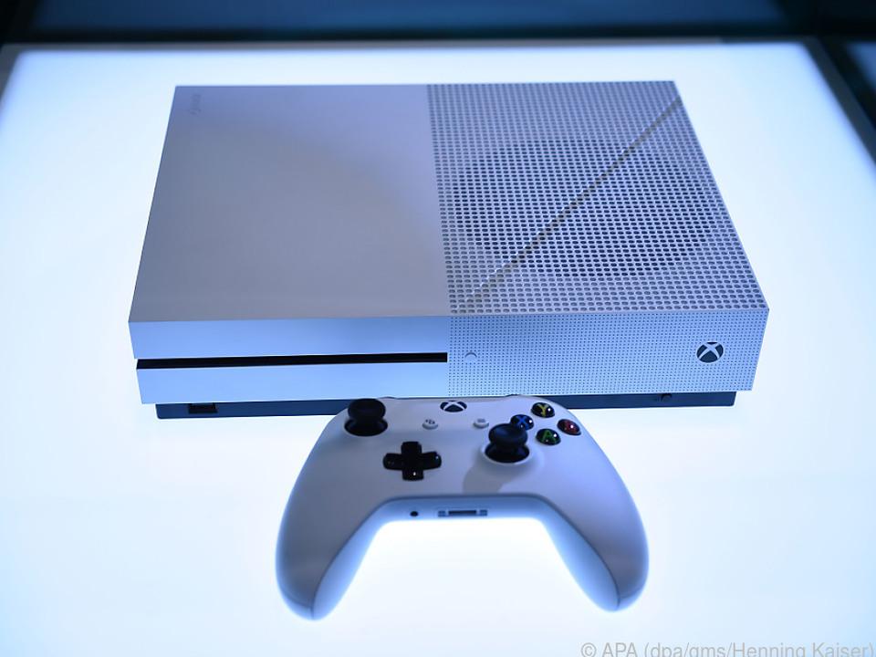 Die Xbox One S ist deutlich kleiner als das Vorgängermodell