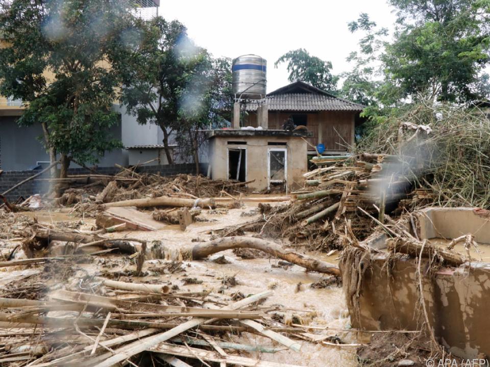 Taifun verwüstete zahlreiche Dörfer
