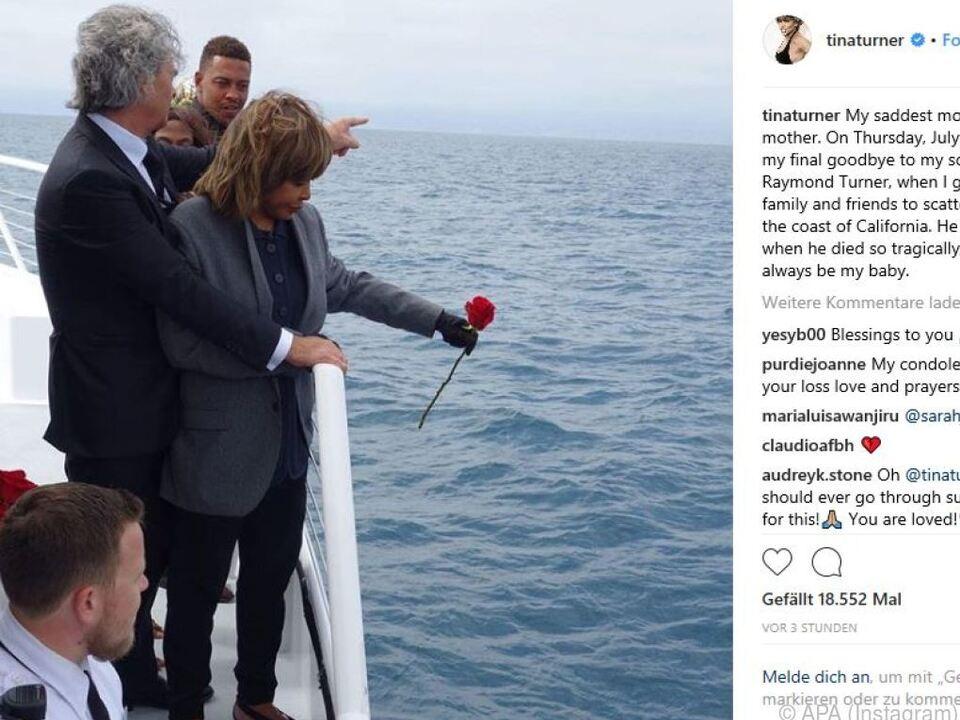 Tina Turner bei der Zeremonie an der kalifornischen Küste