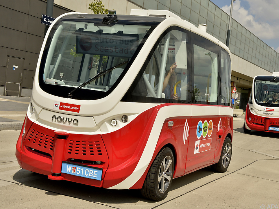 Zwei fahrerlose Busse sollen ab 2019 durch die Seestadt gondeln