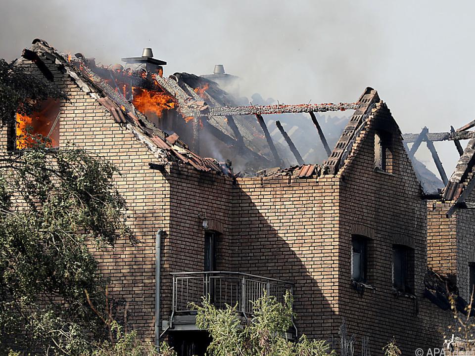 Acht Gebäude wurden teilweise massiv beschädigt