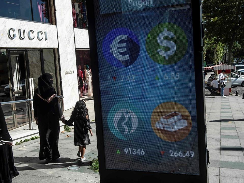 Auch die türkische Lira gab wieder nach