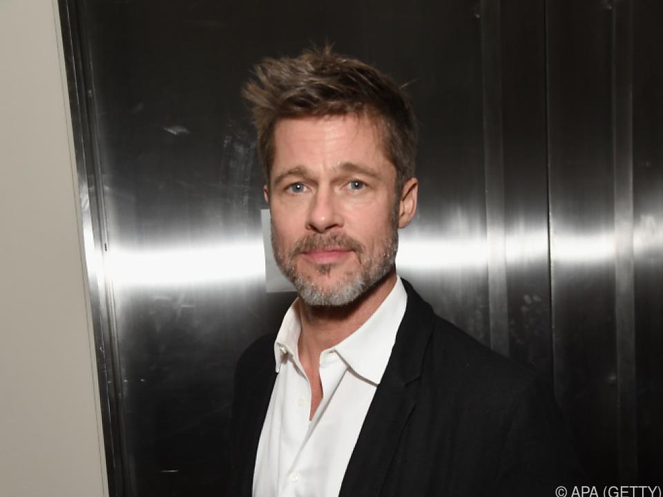Brad Pitt siegte meistens bei den Dusch-Wetten