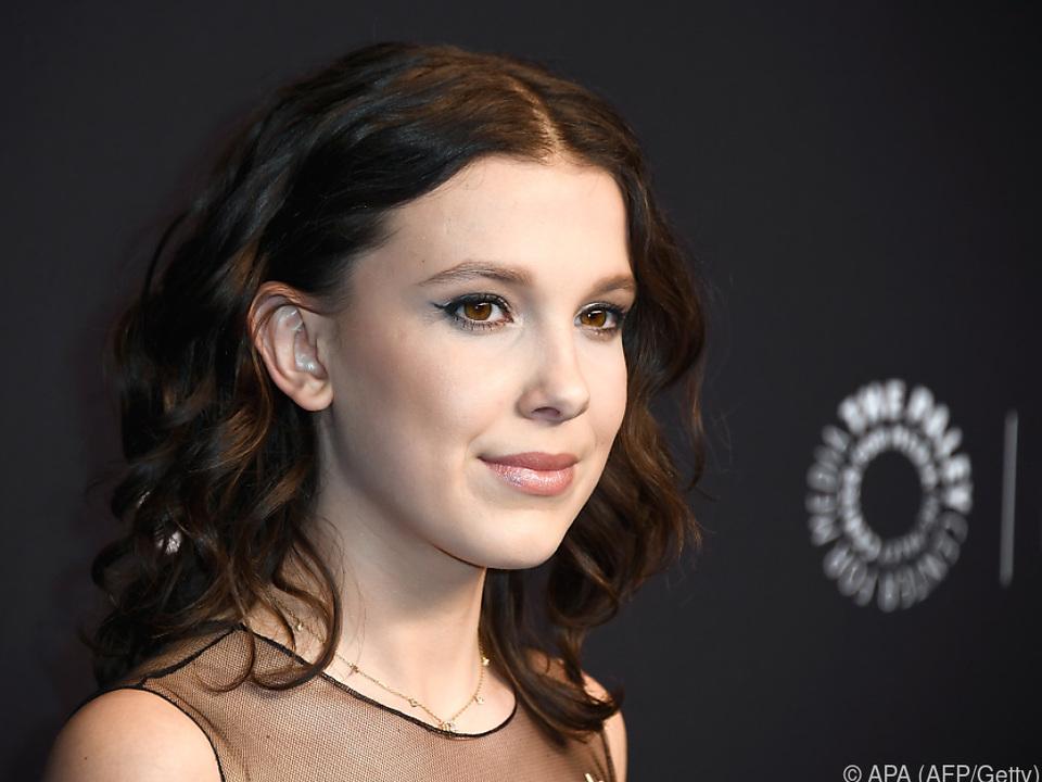 Brown spielt in der Serie ein Mädchen mit telepathischen Fähigkeiten