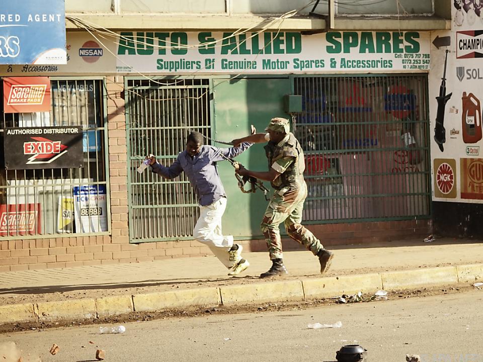Brutales Vorgehen der Armee gegen Demonstranten